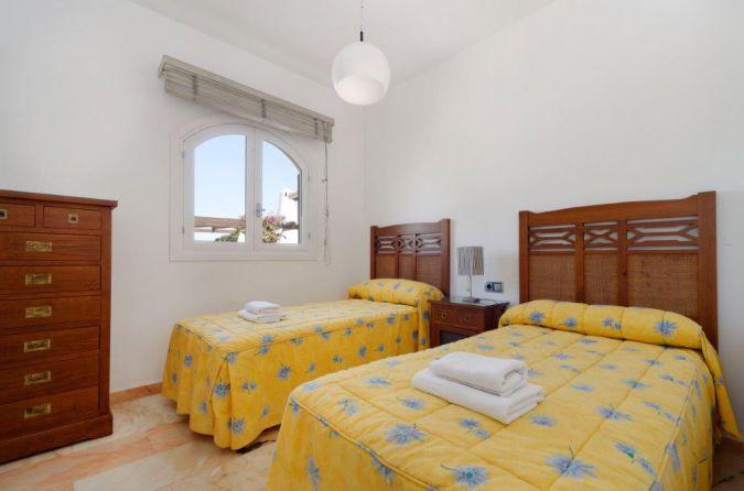 Individual Villa 52413713